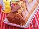 Рецепта Морковен кекс със стафиди и белени бадеми